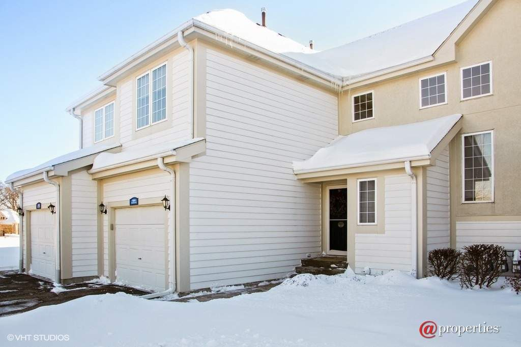 1851 Woodland Cir Lake Geneva WI